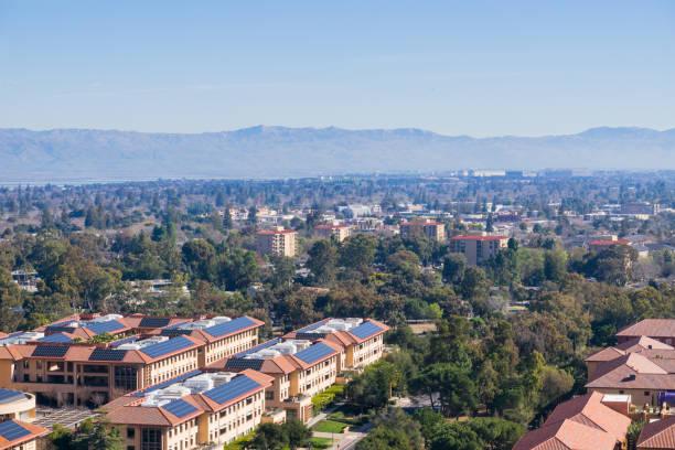 blick nach palo alto, stanford und die städte von south san francisco bay - süd kalifornien stock-fotos und bilder