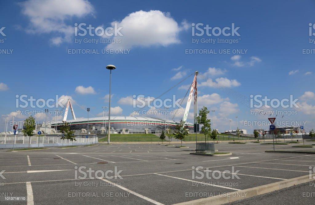 查看與尤文圖斯體育場停車場圖像檔