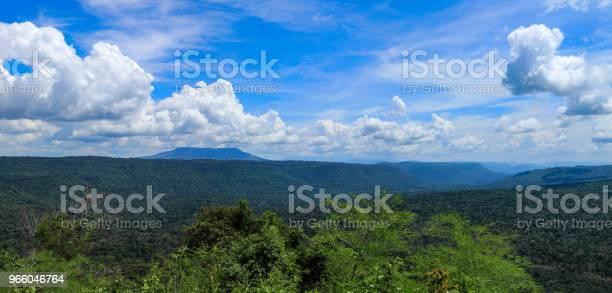 Sicht Und Den Langen Berg Am Chulabhorndamm Chaiyaphum Thailand Stockfoto und mehr Bilder von Anhöhe