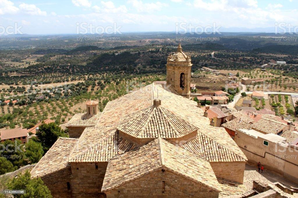 Vistas desde lo alto de la colina - foto de stock