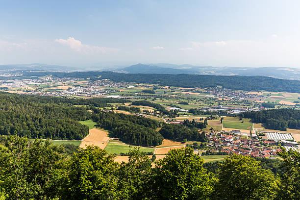 Blick auf die Berge aus den Lagern in Zürich – Foto