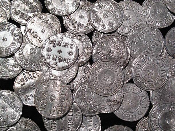 viking e nordeuropee sassone moneta hoard argento - yorkshire meridionale foto e immagini stock