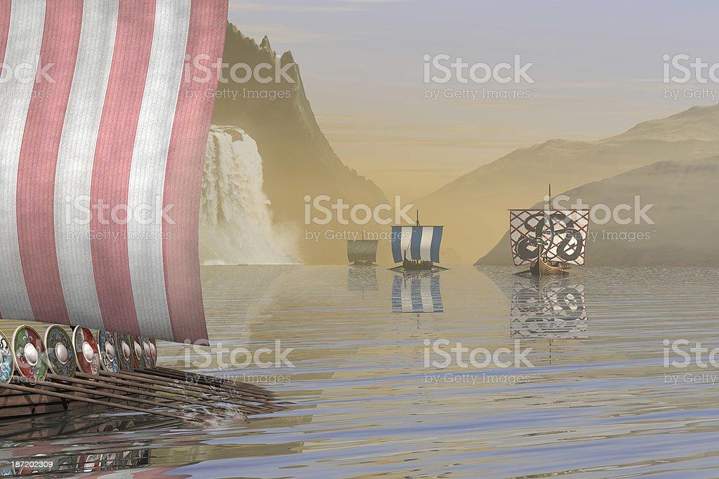 Viking Longships en un fiordo de Noruega - foto de stock