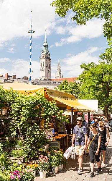 viktualienmarkt in munich - sankt peterskyrkan münchen bildbanksfoton och bilder