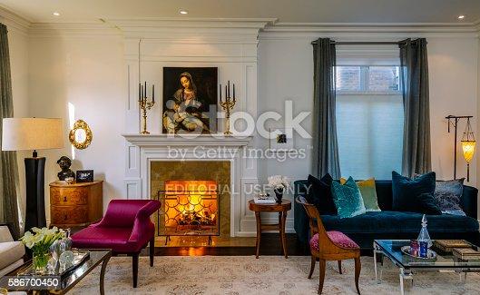 istock Villa De Toronto 586700450