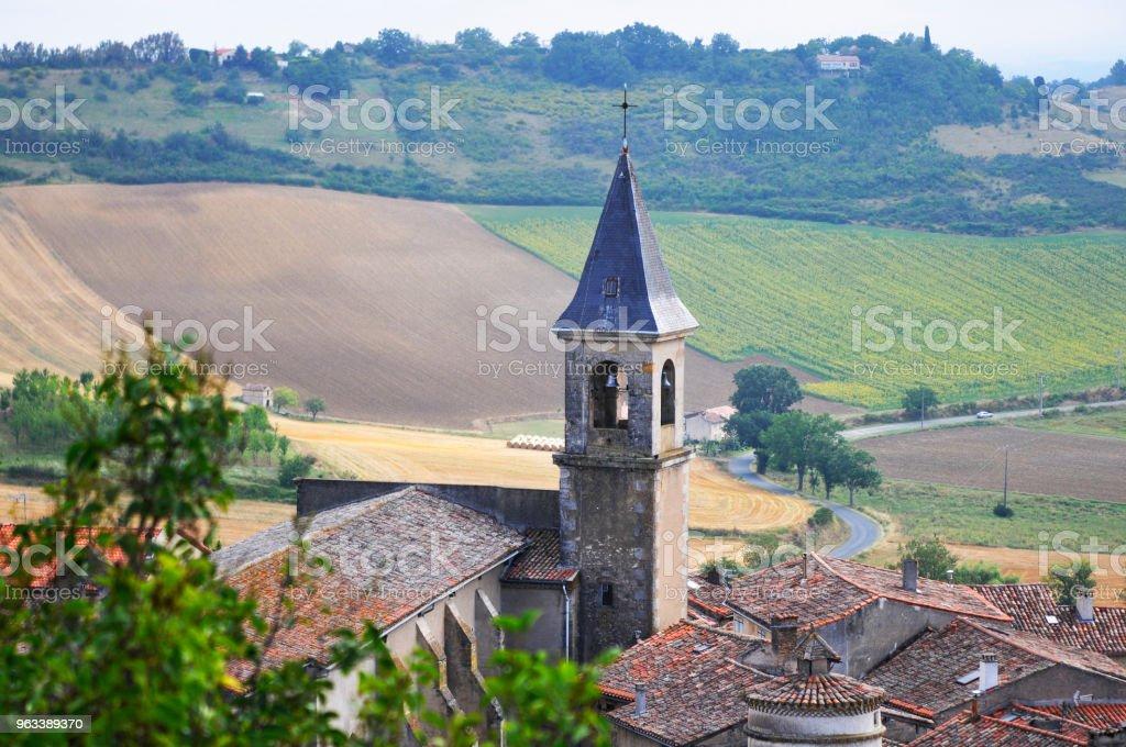 Dzwonnica wioska - Zbiór zdjęć royalty-free (Dzwonnica - Wieża)