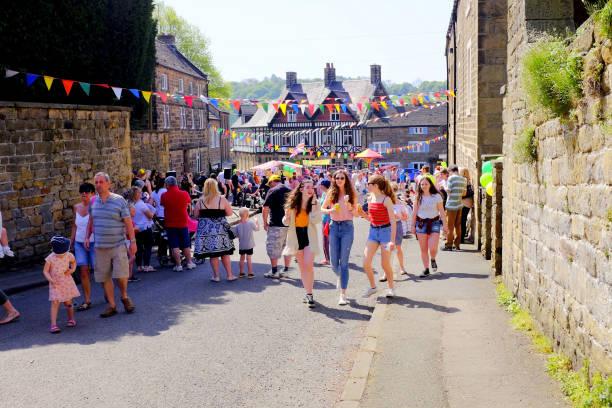 carnaval de village, derbyshire, royaume-uni. - 1er mai photos et images de collection
