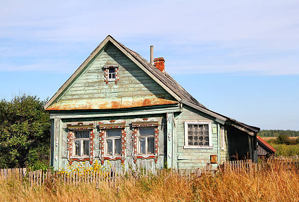 Village house Old green village house russian dacha stock pictures, royalty-free photos & images