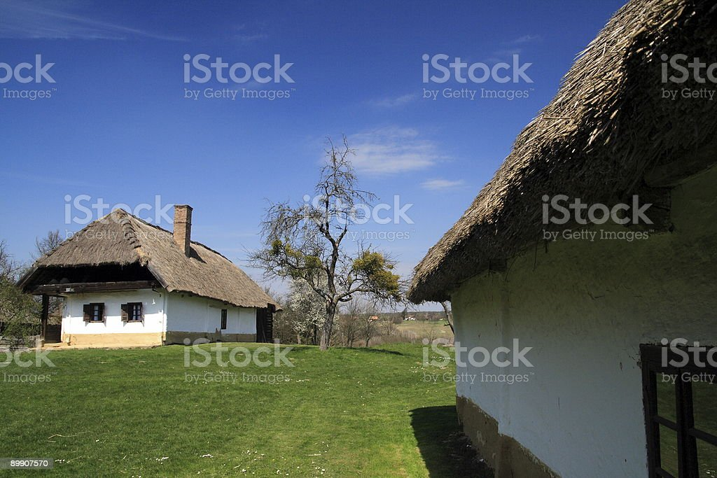 Village finden Sie unter blauem Himmel Lizenzfreies stock-foto