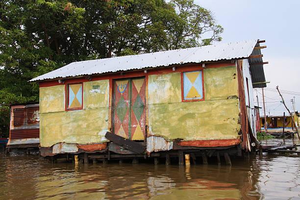 village en maracaibo - maracaibo fotografías e imágenes de stock