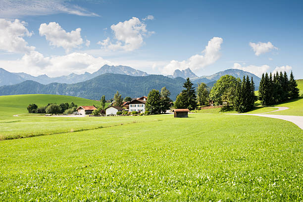 village im allgäu - allgäu stock-fotos und bilder