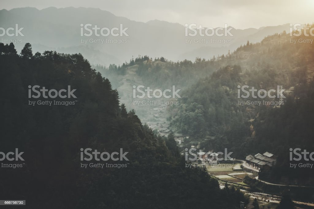 Village in Vietnam between mountains foto stock royalty-free