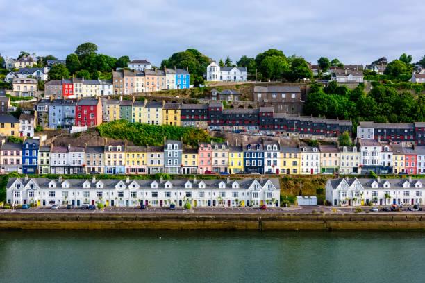Dorf von Cobh, in Irland – Foto