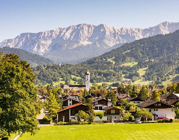 Village of Garmisch in the Alps of Bavaria – Foto