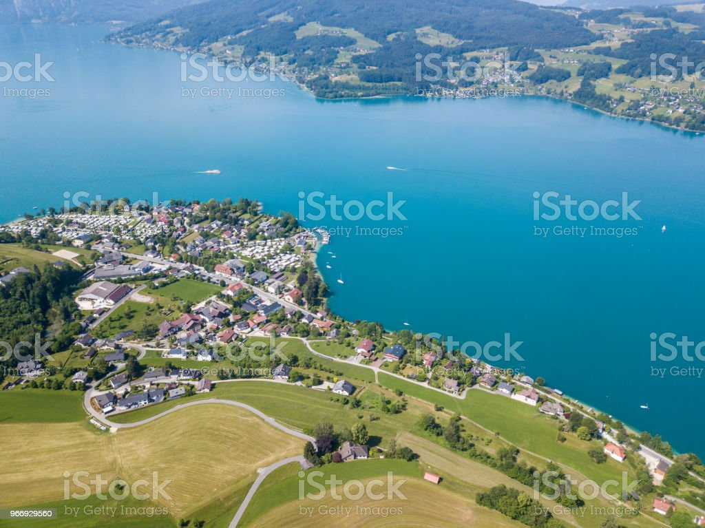 Dorf Steinbach am Attersee, Salzkammergut, Österreich – Foto