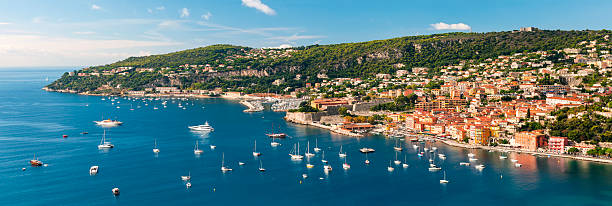 Villefranche-sur-Mer und Cap de Nice an der französischen Riviera – Foto