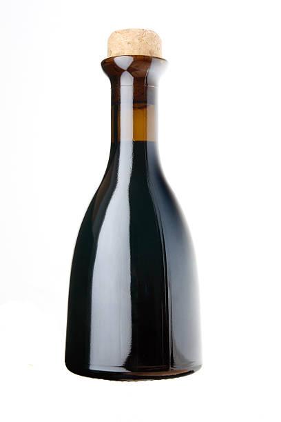 essig flasche - mini weinflaschen stock-fotos und bilder