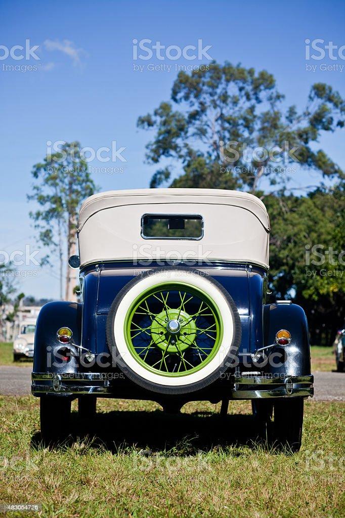 Vintage década de 1920 Automobile Vista traseira pneu sobressalente verde Rim foto royalty-free