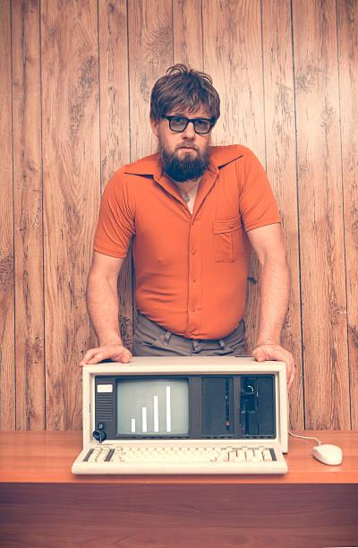 Vintage-Look der 80er Jahre Geschäftsmann mit vertrieb aufwärts – Foto