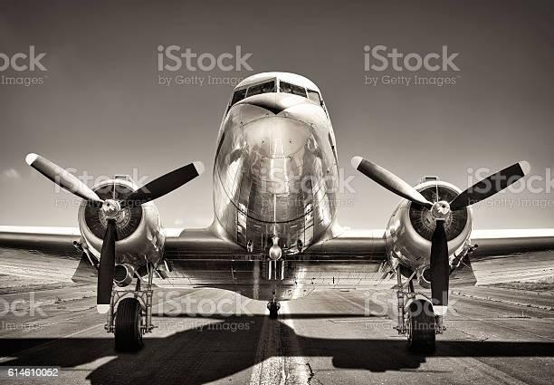 Vintage airplane picture id614610052?b=1&k=6&m=614610052&s=612x612&h=p1othwnvv5w6zdixyq7amfqhoqh6 n8 q lniwgdviu=