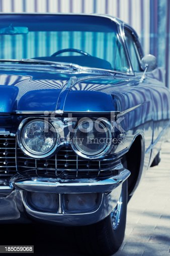 istock Vintage American Car Front Detail 185059068