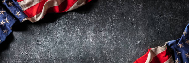 Vintage American Flag On Dark Grunge Wall – Foto