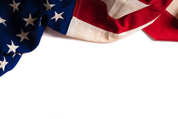 drapeau américain vintage sur fond blanc avec espace de copie - drapeau américain photos et images de collection