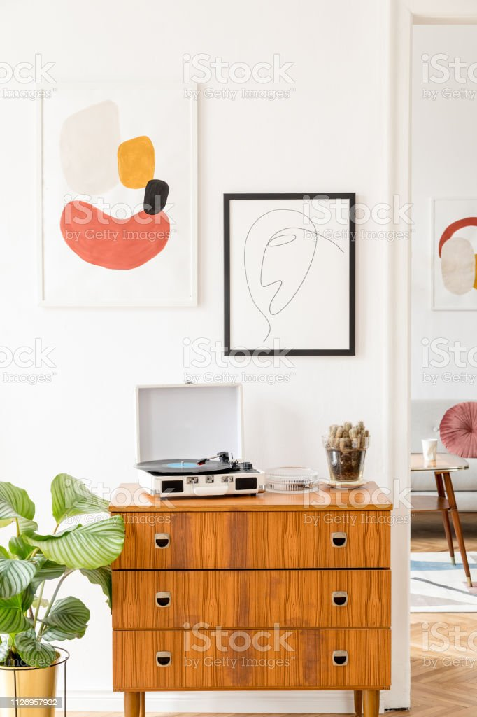 Vintage And Retro Living Room With Design Commode Vinyl Recorder