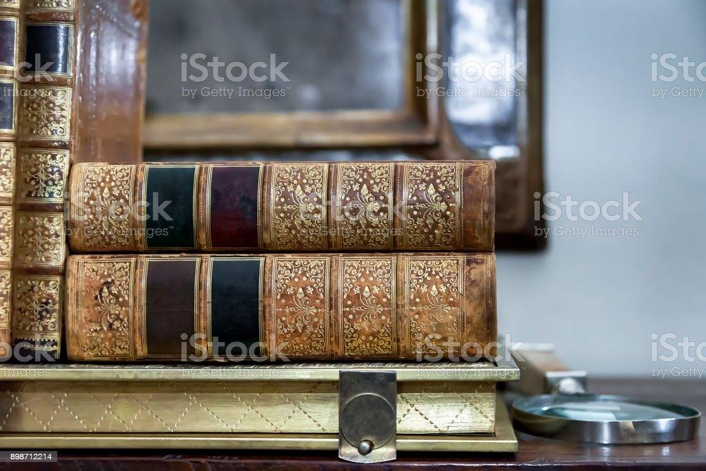 Vintage antiquarische Bücher – Foto