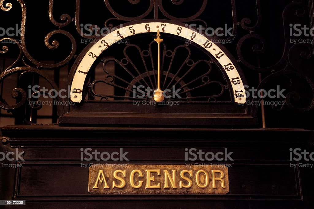 Señal de ascensor - foto de stock