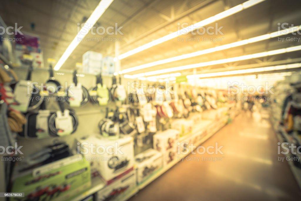 Photo libre de droit de Vintage Flou Client Shopping Pour ...