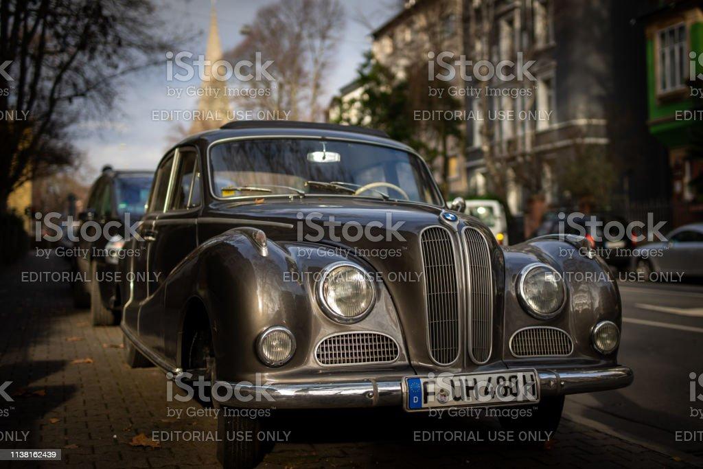 Ein Oldtimer in Frankfurt. – Foto