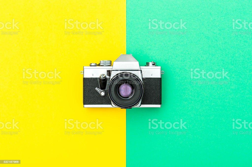 Vintage photo sur Instagram style hipster fond de couleur - Photo