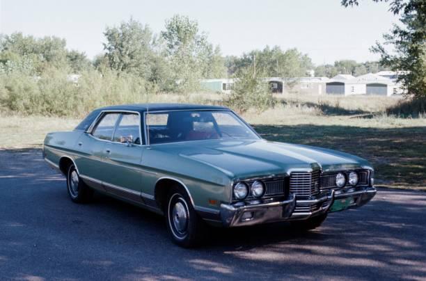 vintage car - viagens anos 70 imagens e fotografias de stock