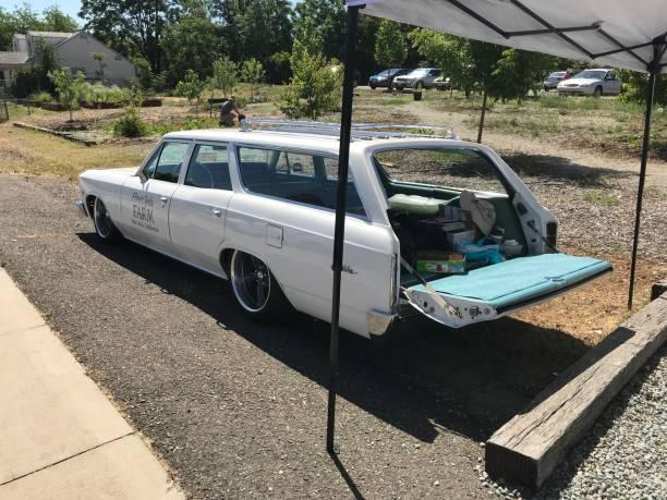 vintage car - chevy van stock-fotos und bilder