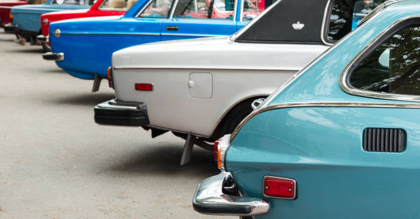 Vintage cars Vintage cars exposed in a row on retro show car show stock pictures, royalty-free photos & images