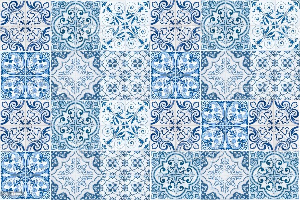 Vintage ceramic tiles wall decoration.Turkish ceramic tiles wall background - fotografia de stock