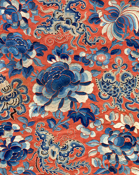 vintage chinese embroidery - chinese cultuur stockfoto's en -beelden