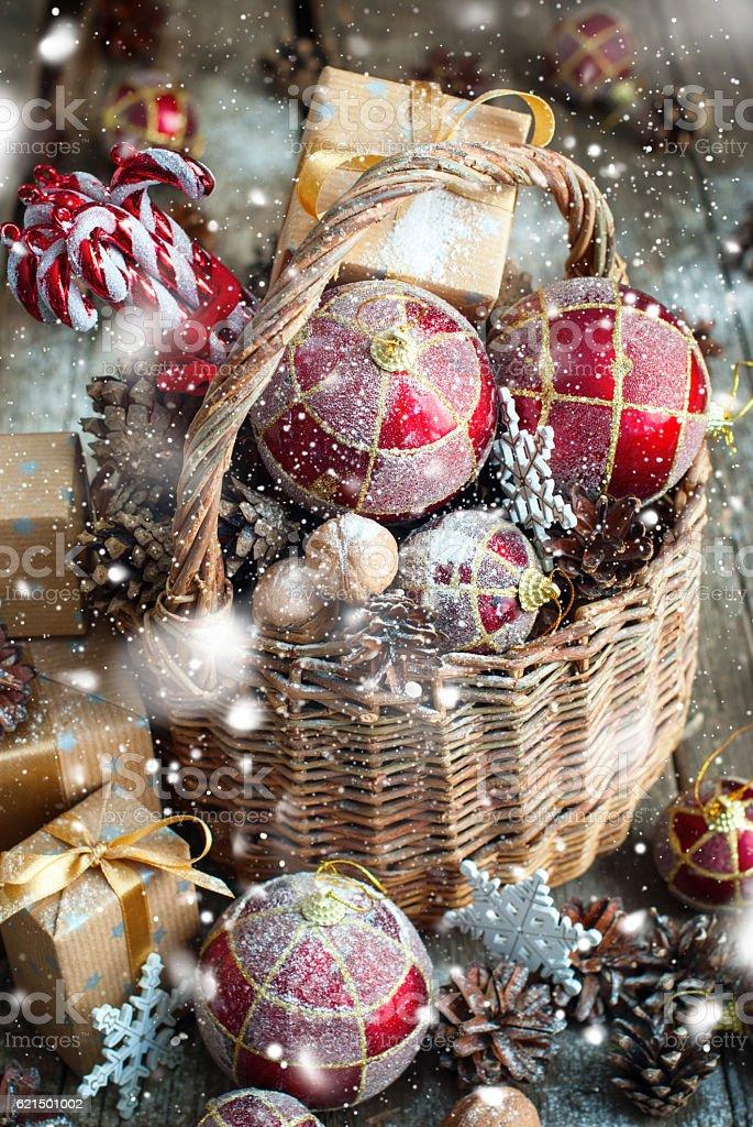 Vintage Christmas Card Basket Gift Toy Snow Drawn photo libre de droits