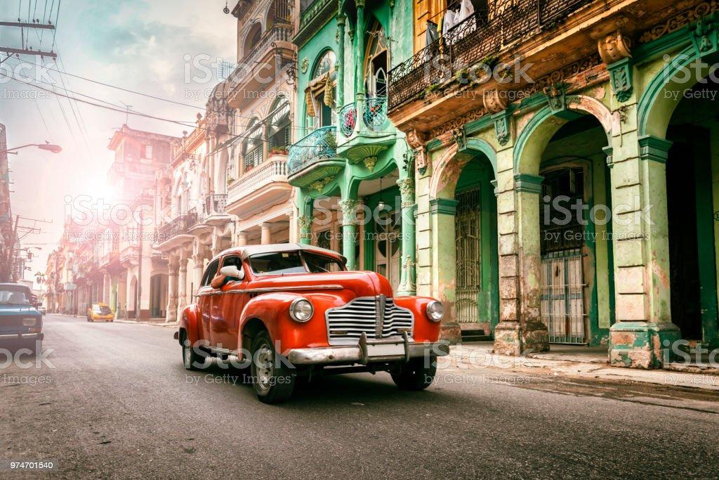 Vintage klassische amerikanische Oldtimer Auto in alte Stadt Havanna Kuba – Foto