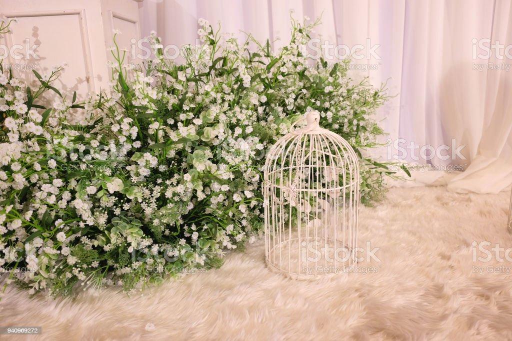 Vintage Decorative Metal White Bird Cage Flowerstand With White