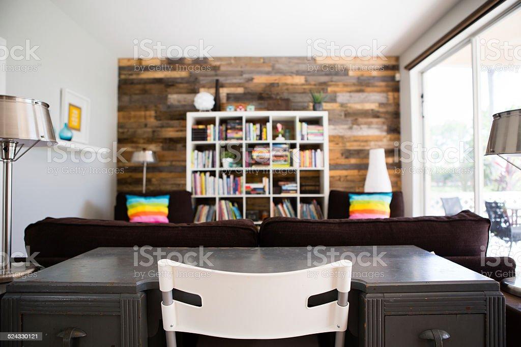 Vintage bureau et chaise moderne en intérieur de maison u photos