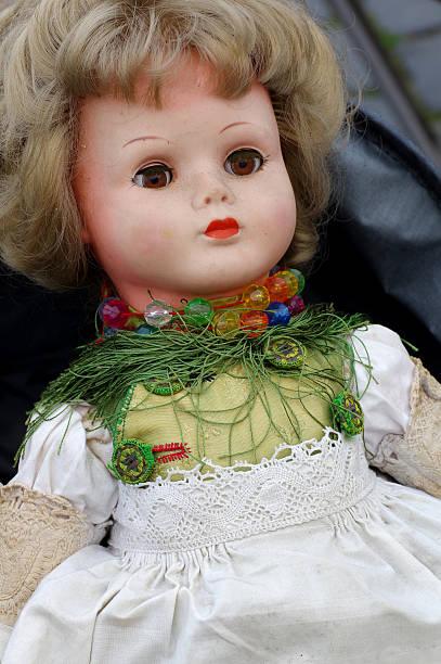 vintage muñeco de peluche - muñeca bisque fotografías e imágenes de stock
