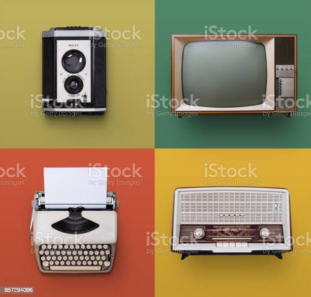 Vintage electronics picture id857294096?b=1&k=6&m=857294096&s=612x612&h=ulkklnbcxahqjdo2c04p0vrvk33xd9wfeufsgchs7lc=