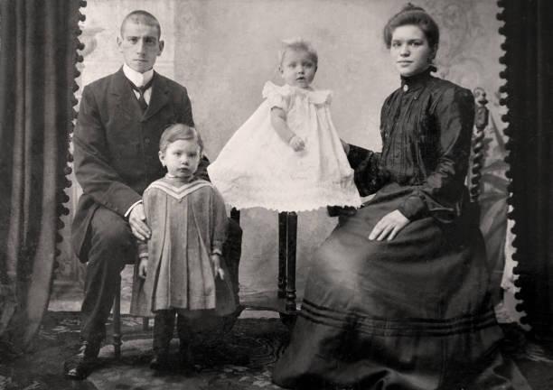 vintage familie foto - 20er jahre stock-fotos und bilder