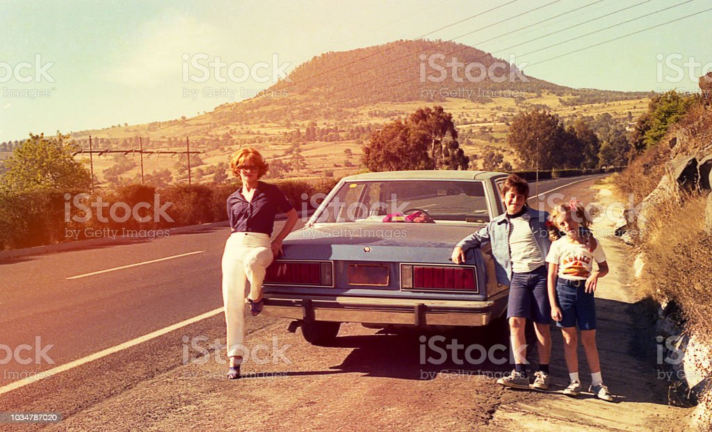 Vintage image of a family on the roads - Royalty-free 1980-1989 Stock Photo