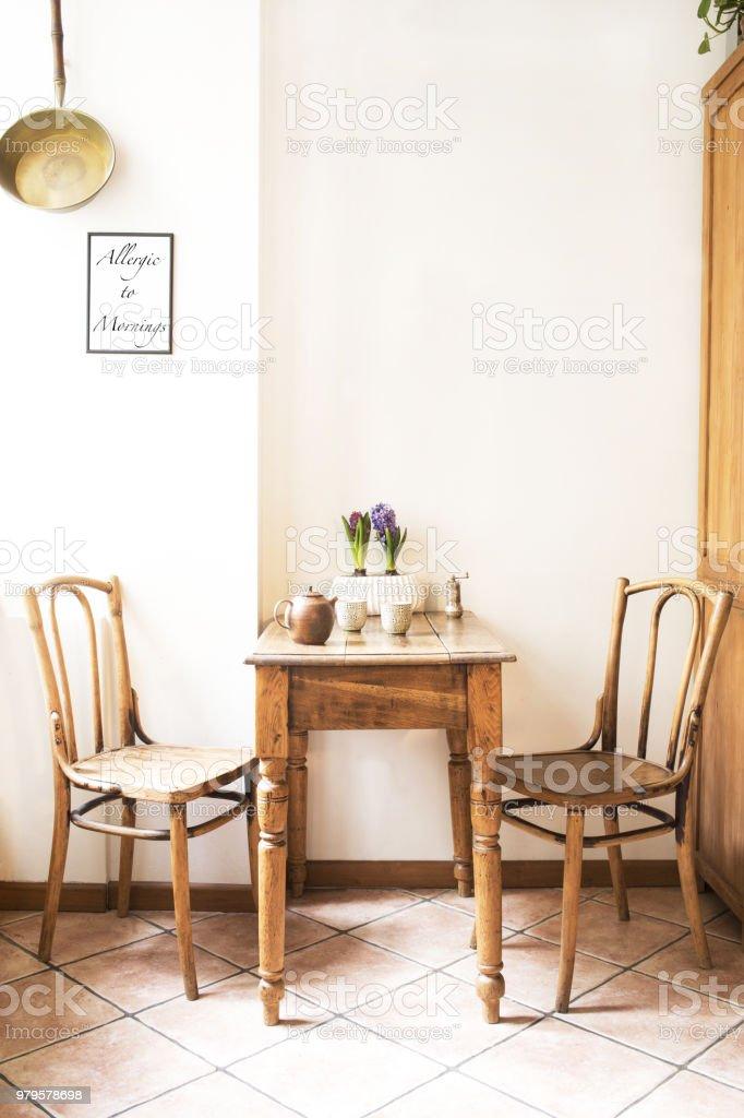 Vintage Diseño Interior Del Espacio De La Cocina Con Pequeña ...