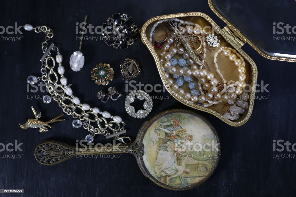 Vintage jewelry on black background Lizenzfreies stock-foto
