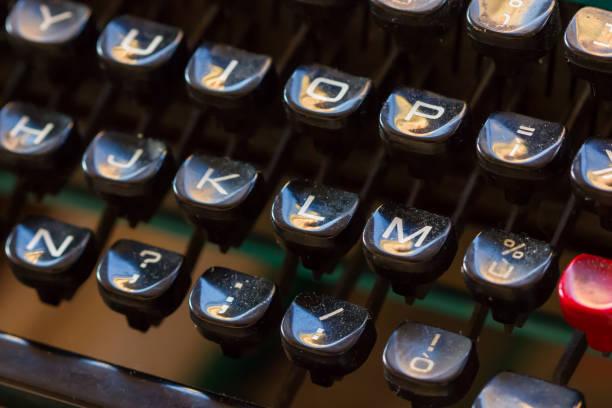 vintage keyboards in a flea market – zdjęcie