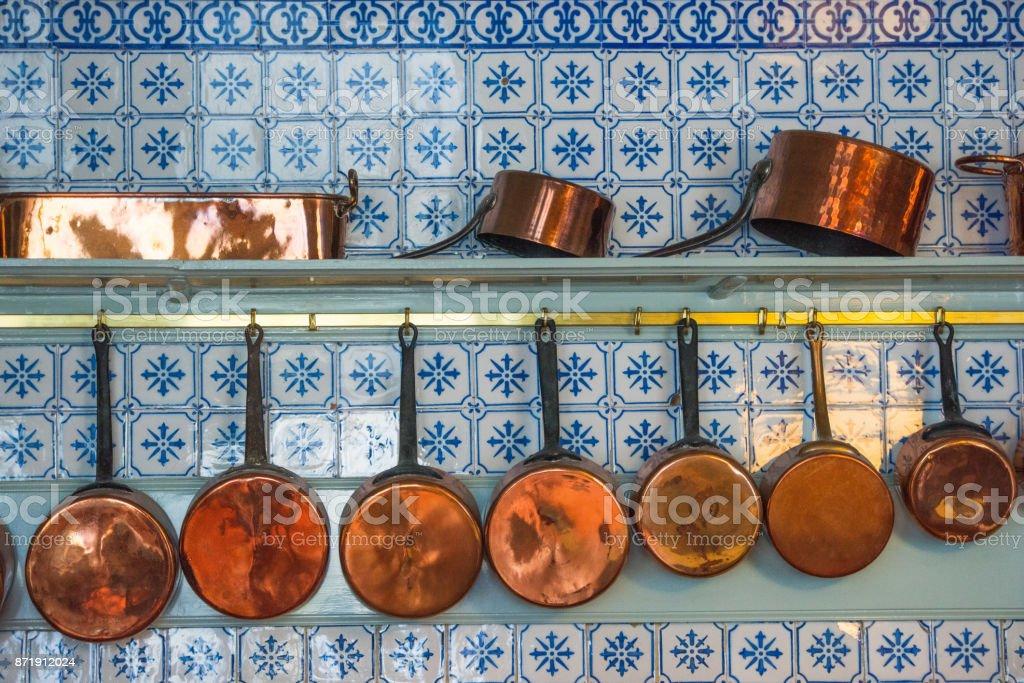 Vintage Kuche Werkzeuge Kupfer Geschirr Set Topf Stockfoto Und Mehr Bilder Von Bakelit Istock